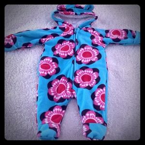 Old Navy Snuggly onsie size 0-3 months